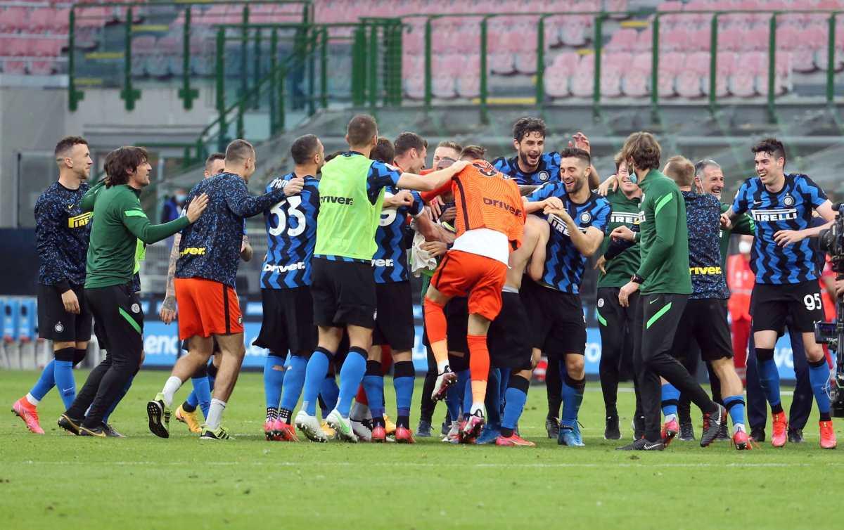 El Inter de Milán golea a la Sampdoria y se da un homenaje en su celebración