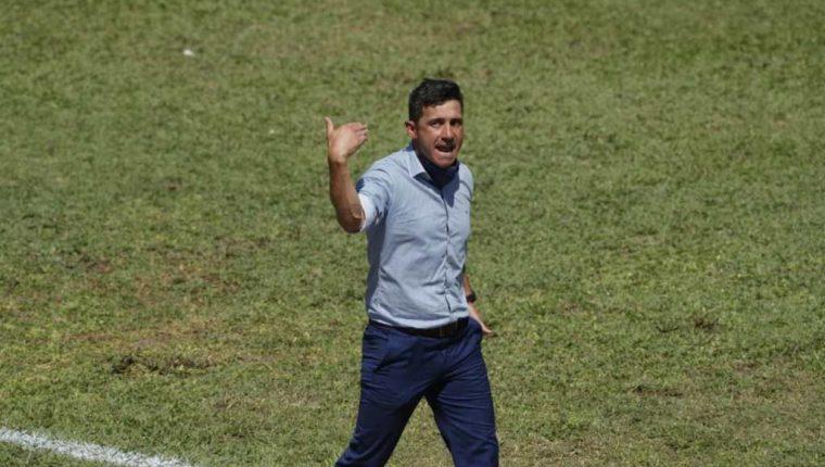 Sebastián Bini no aceptó finalmente hacerse cargo de las fuerzas básicas de Municipal. Foto Prensa Libre: Hemeroteca PL.