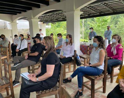 Qué oportunidades hay para exportar servicios desde Cobán y Quetzaltenango