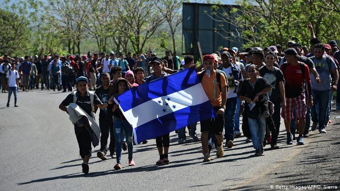 Hondureños a la cabeza de listas de solicitantes de asilo en EE. UU. y México