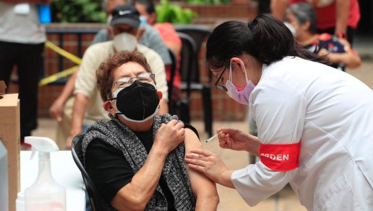 Líderes religiosos demandan más vacunas al gobierno e instan a la población a inocularse