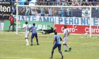 Moscoso encajó cuatro goles en Santa Lucía. (Foto Prensa Libre: Érick Ávila)