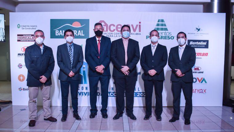 Representantes de Acenvi y patrocinadores estuvieron presentes en la conferencia de prensa. Foto Prensa Libre: Cortesía.