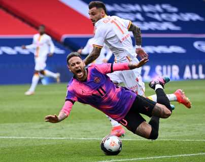 Con goles de Neymar y Marquinhos el Paris SG gana y sigue su duelo con Lille
