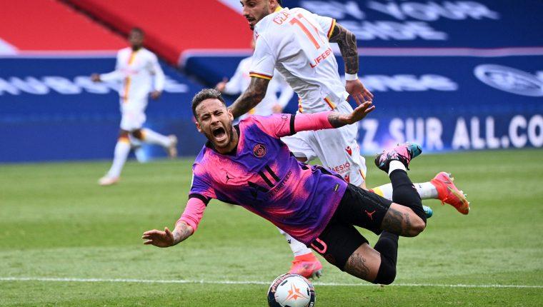 Neymar fue protagonista en el triunfo del París SG frente al Lens en el duelo disputado este 1 de mayo. (Foto Prensa Libre: AFP).