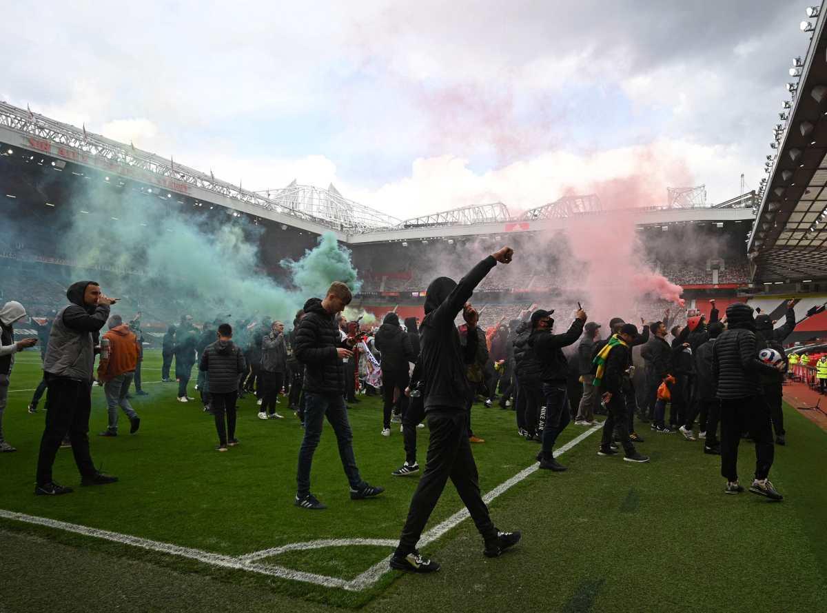 El Manchester United-Liverpool es aplazado tras invasión de Old Trafford por aficionados que manifestaron contra los Glazer y la Superliga
