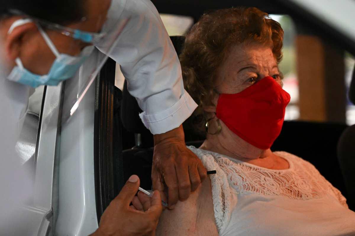 Personas que se vacunaron durante la primera fase recibirán la segunda dosis a partir del 13 de mayo, dice Salud