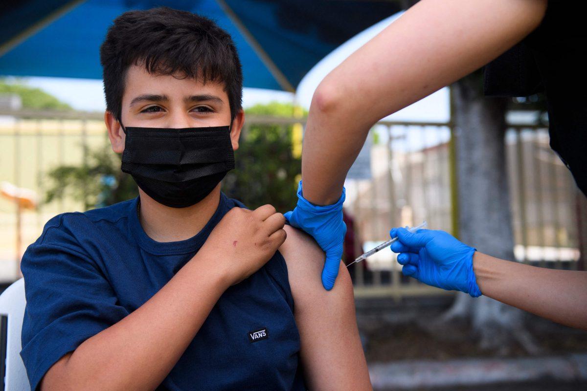 Estudio: Vacunas de Moderna y Pfizer reducen en 94% el riesgo de contagiarse de covid-19