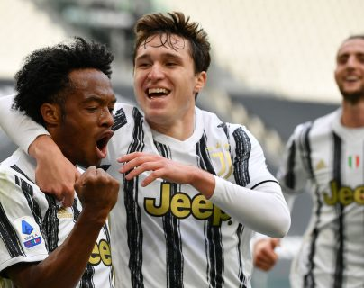 Juventus supera al Inter y vuelve a meterse en la zona de Champions