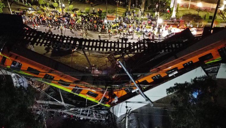 Un tramo de la línea 12 del metro de la Ciudad de México, entre la estación Olivos Y Tezonco se desplomó el lunes 3 de mayo del 2021. (Foto Prensa Libre: (EFE)
