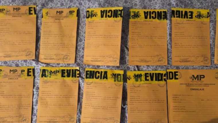 Algunos de los indicios durante la captura de Carlos Raúl Jaco Telles. (Foto Prensa Libre: PNC)