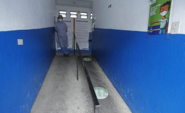 Centro respiratorio de la colonia Quinta Samayoa no está efectuando pruebas de covid-19. (Foto Prensa Libre: Esbin García)