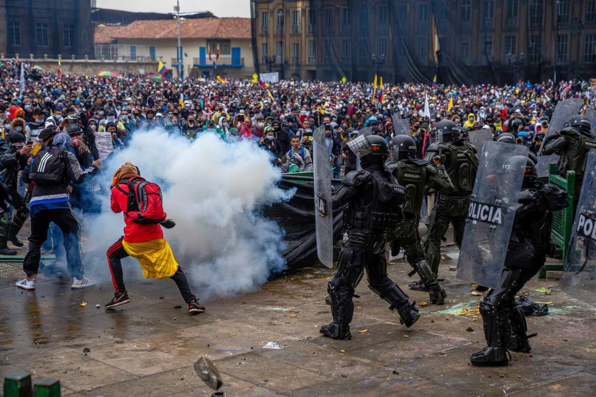 ¿Por qué las marchas se convierten en manifestaciones masivas? La violencia policial es una de las razones