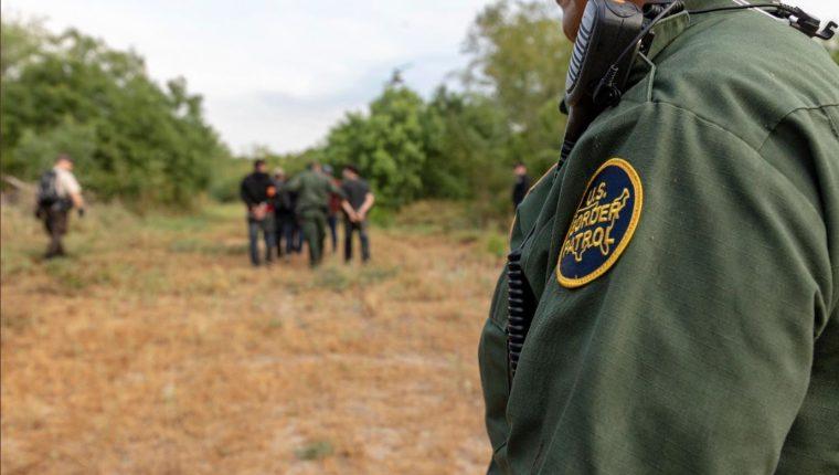 Fotografía de archivo de un operativo de la Patrulla Fronteriza de Estados Unidos, en Eagle Pass, en el estado de Texas. (Foto Prensa Libre: Tomada de @CBP)