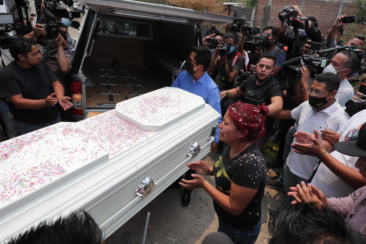 Brandon Giovanny: la dramática historia del niño que salió a comprar el regalo del Día de la Madre y murió en el colapso del metro en México