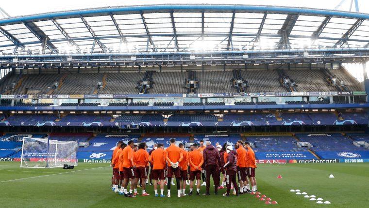 Los jugadores del Real Madrid en la casa del Chelsea. (Foto Prensa Libre: Twitter Chelsea FC)