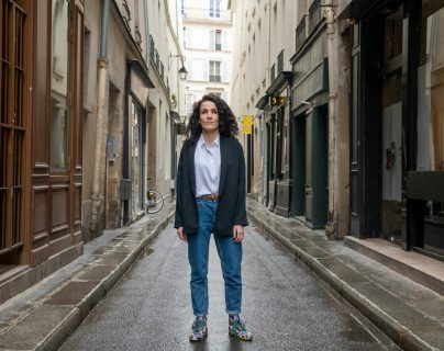 La decisión de Coco: la dibujante de Charlie Hebdo que regresó del infierno