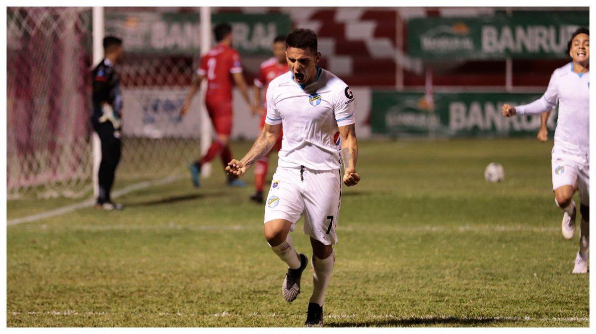 Clausura 2021: Comunicaciones vence a Sacachispas 0-1 con gol de Andrés Lezcano