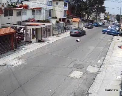 Video: graban cuando un hombre lanza desde un auto a su novia en México