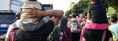 El gobierno de Estados Unidos busca reducir la migración ilegal con medidas que aplicará en el Triángulo Norte. (Foto Prensa Libre: EFE)