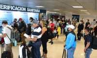 Todos los días, decenas de guatemaltecos viajan a Estados Unidos para vacunarse contra el covid-19. (Foto Prensa Libre: Hemeroteca)