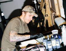 El artista tatuador Scott Campbell abrirá All the Best, un mercado en línea en el que se venderán diseños de tatuajes como tokens digitales. (Rebecca Smeyne/The New York Times)