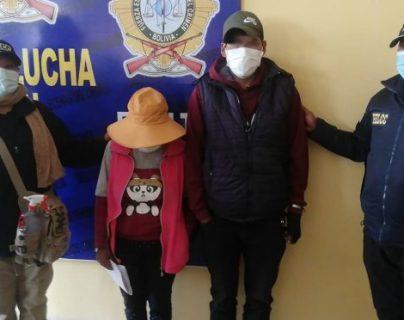 Salen de una discoteca, golpean a su bebé y le fracturan el fémur: detenida una pareja en Bolivia