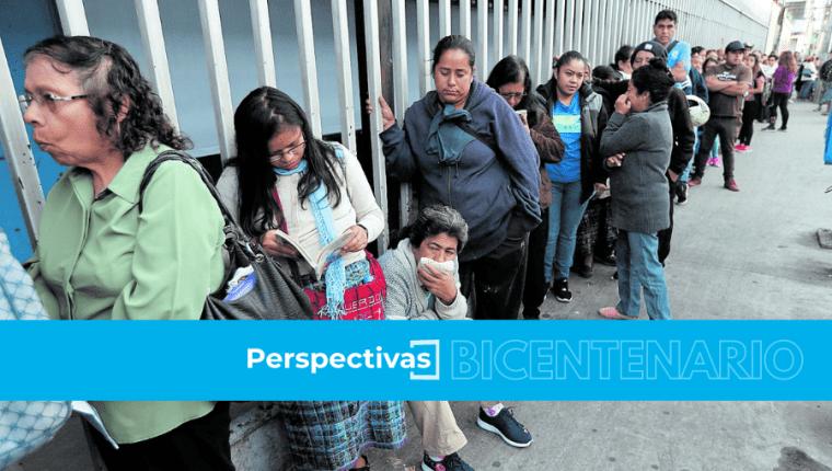 El Sistema de Salud guatemalteco tiene una historia de baja cobertura y deficiencias en la atención a la población. (Foto Prensa Libre: Hemertoca PL)