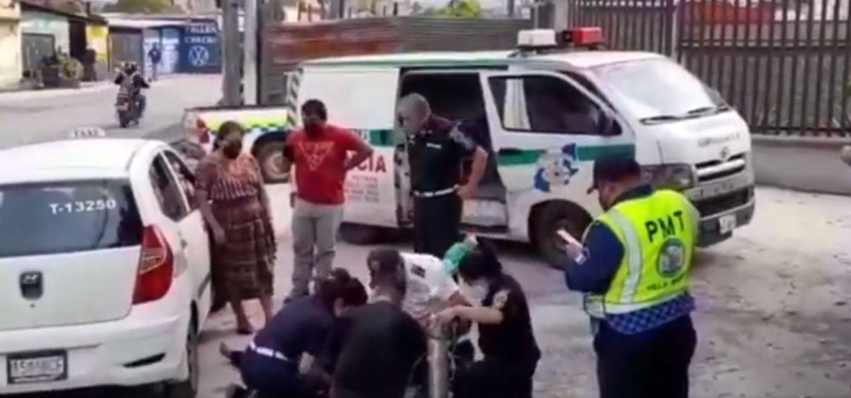 Pasajera de taxi muere por paro cardiaco, a pesar de esfuerzos de socorristas y agentes municipales