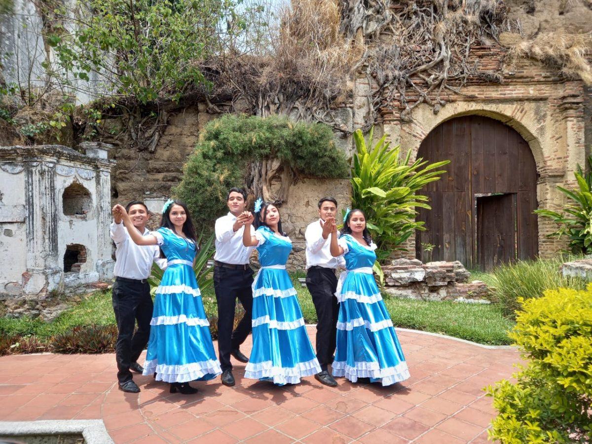 Joven guatemalteco impulsa la danza y teatro en Villa Canales