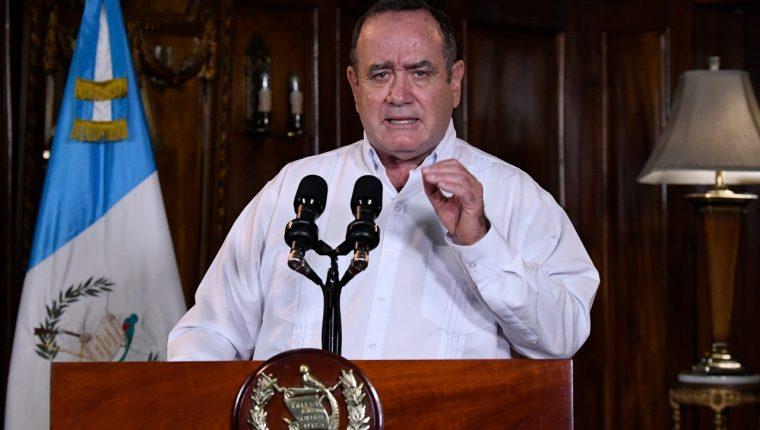 El presidente también recordó durante el mensaje a los trabajadores de la salud que han perdido la vida frente al coronavirus. Fotografía: Presidencia.