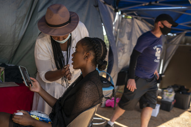Dejan atrás apartheid cintas sudafricanas