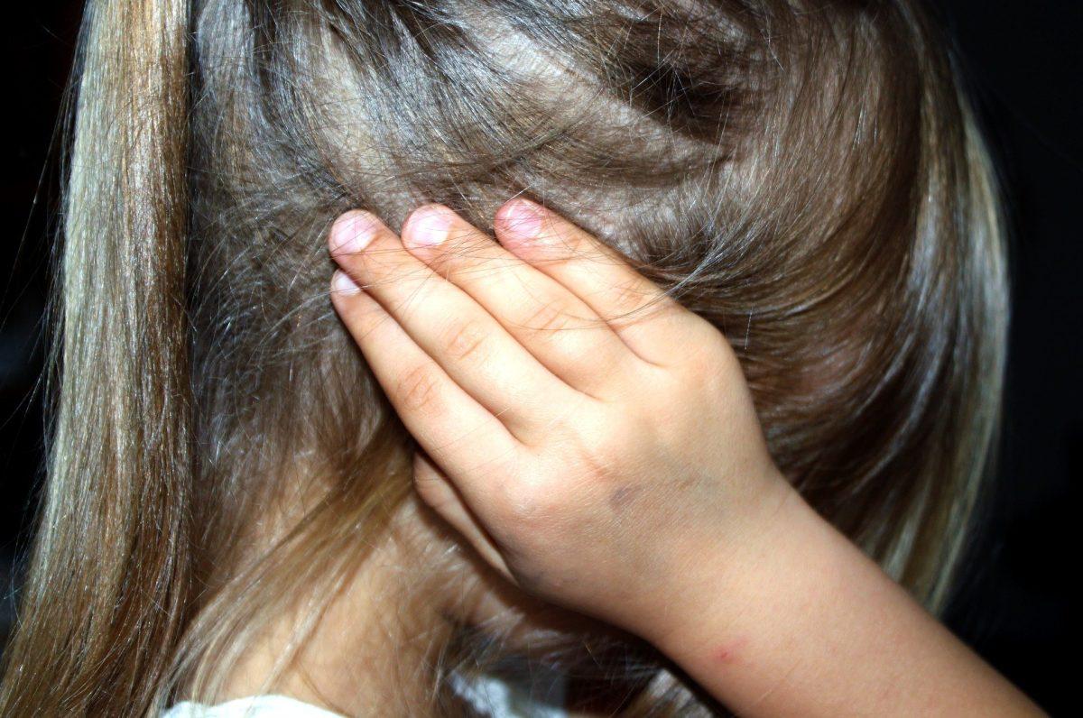 """""""No la violé, solo le pasé la lengua"""": la aberrante historia de una madre que entregaba a su hija de 4 años a un anciano a cambio de dinero"""
