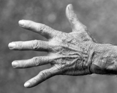 """Asfixiados, golpeados y atados: Las torturas que sufrieron los abuelos del hogar para adultos mayores el """"geriátrico del horror"""""""