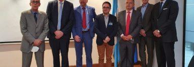 Representantes de misiones de las embajadas europeas en el país, junto al fiscal Juan Francisco Sandoval. (Foto: Embajada de Francia en Guatemala)