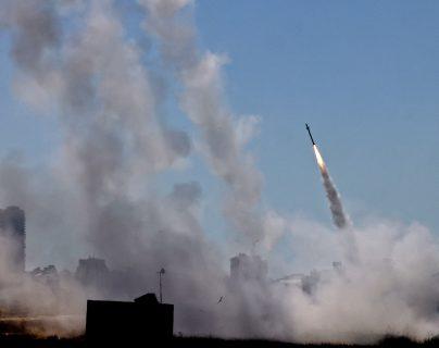 Continúan atroces bombardeos: lanzan desde Gaza 850 cohetes que Israel responde con 500 bombardeos