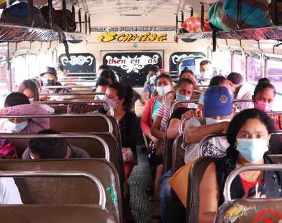 Transportistas siguen sin cumplir protocolos para prevenir el covid-19
