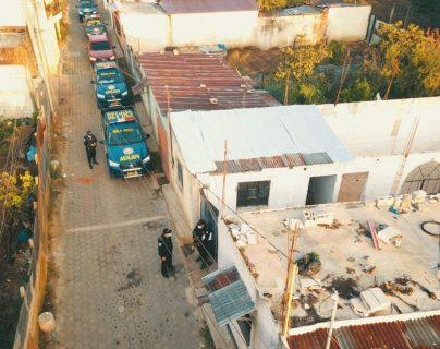PNC localiza motocicleta que habrían usado sicarios que mataron a tres hermanos en Chimaltenango