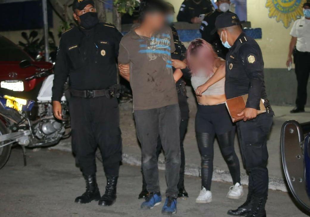 Hallan cadáver dentro de una casa en Ciudad Real II, Villa Nueva, y detienen a una pareja que huía del lugar