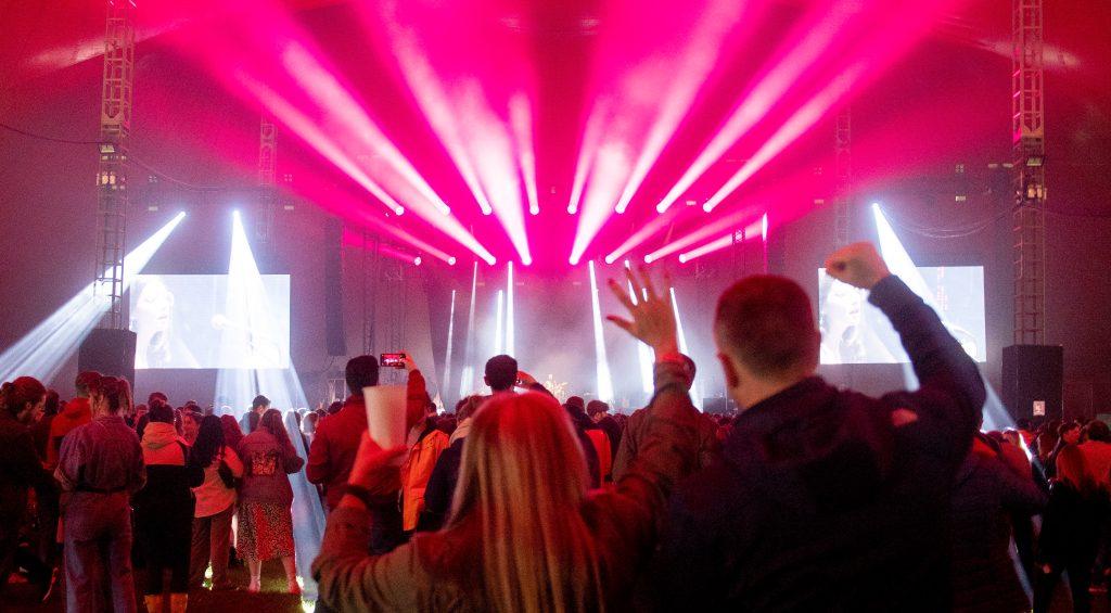 El concierto tuvo lugar en el Sefton Park de Liverpool. (Foto Prensa Libre: AFP)
