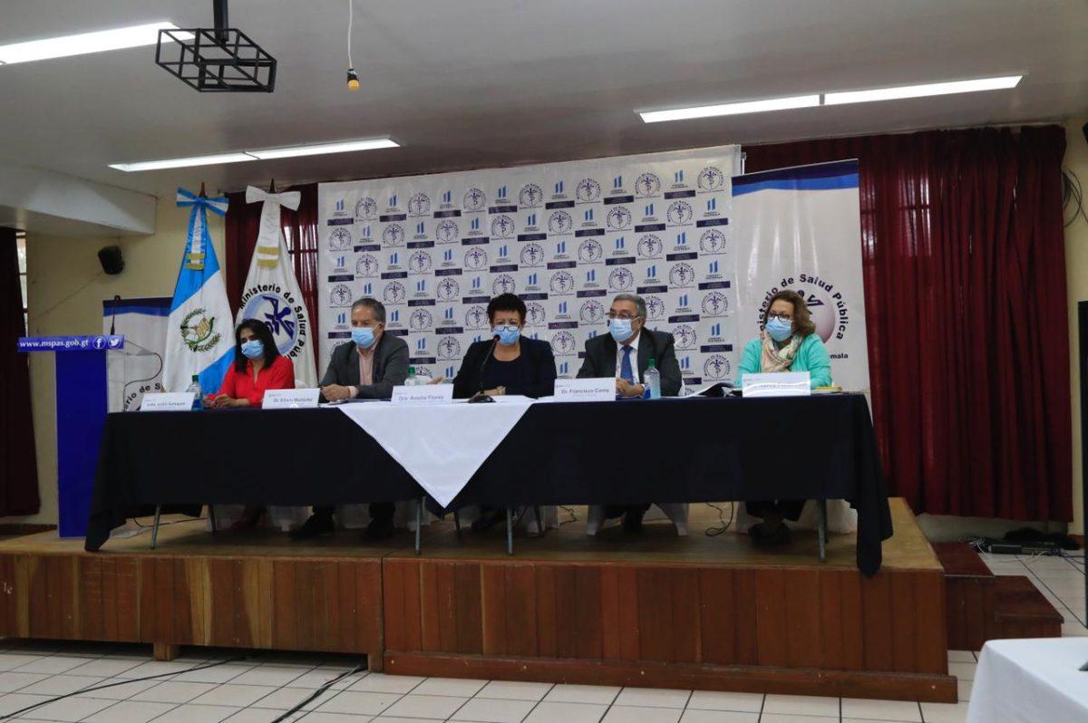 Vacunación en Guatemala: fortalecerán unidad especial para vigilar efectos secundarios en inmunizados