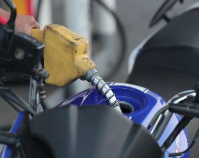 Por qué han subido los precios de la gasolina (y qué efectos mundiales podrían revertir la tendencia)