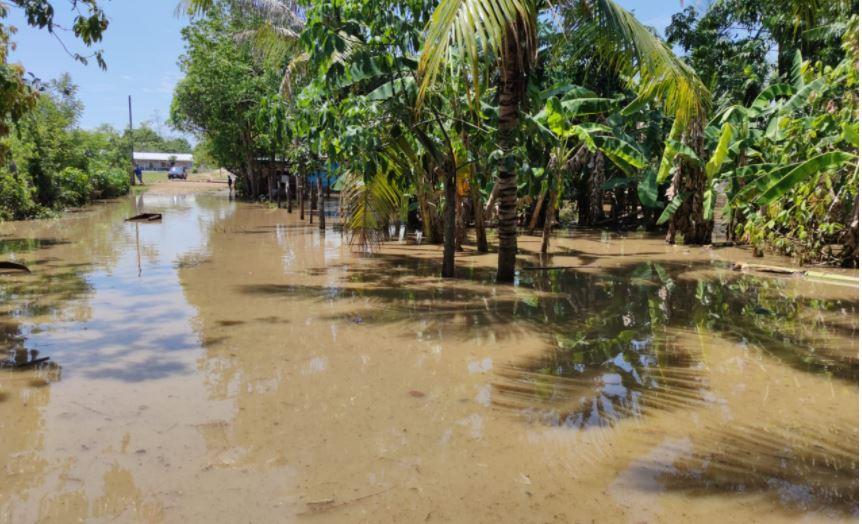 Varios departamentos reportan daños por fuerte lluvia y ventarrones