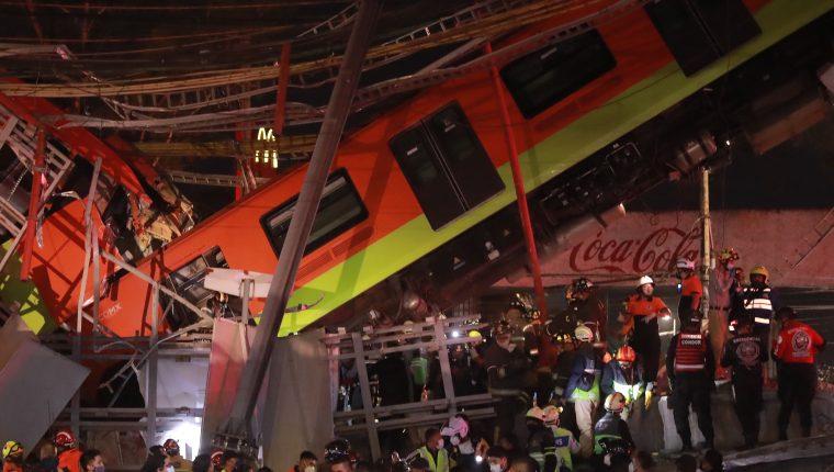 Vista general del colapso de unos vagones del metro en la Ciudad de México.  (Foto Prensa Libre: EFE)