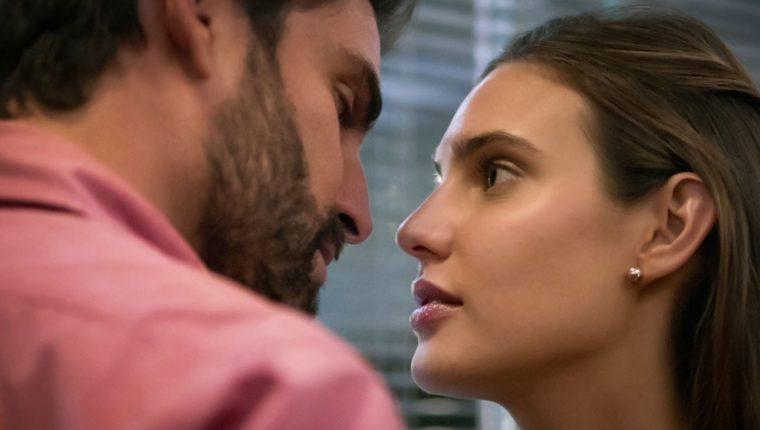 """En """"Luis Miguel, la serie"""", se revela la relación amorosa entre Alejandro Asensi y Michelle Salas. (Foto Prensa Libre: Netflix)"""