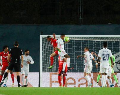 """Carvajal se queja del penalti señalado a Militao: """"Qué vergüenza"""""""