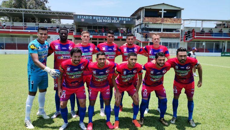 El club Iztapa dio a conocer que 12 integrantes del equipo dieron positivo por Covid-19. (Foto LigaGT).