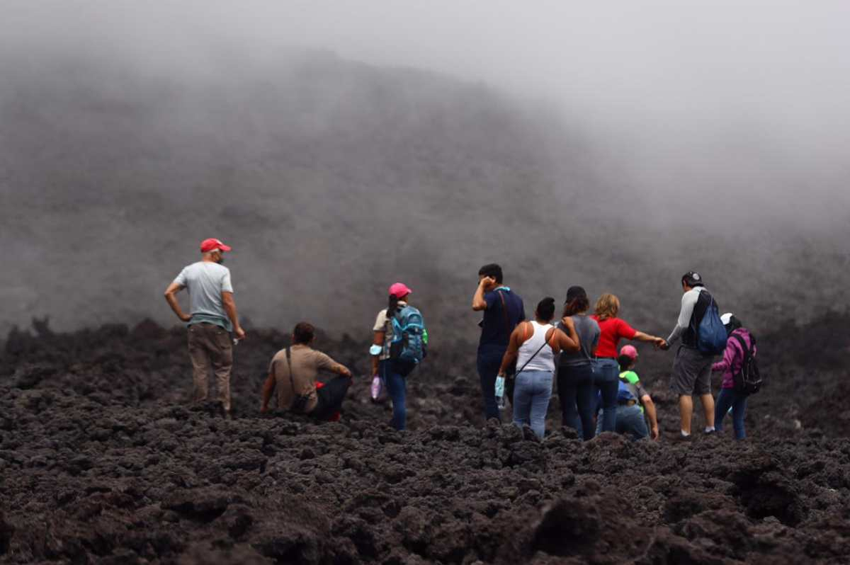 """""""En cualquier momento podría haber una explosión mayor"""": Conred advierte del peligro de acercarse al Volcán de Pacaya"""