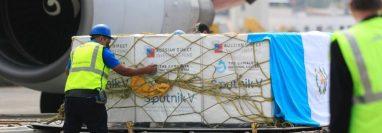 Guatemala recibió las primeras 50 mil dosis de la vacuna rusa Sputnik V. (Foto: Hemeroteca PL)