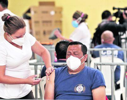 Coronavirus: Al ritmo de la vacunación actual, en 19 años guatemaltecos estarían vacunados